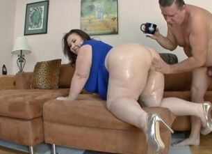 Bbw swallowing